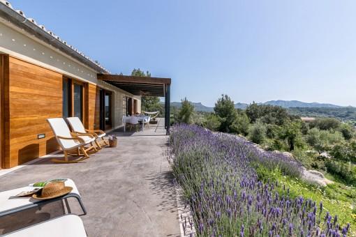 Neuwertige Finca mit malerischem Landschaftsblick in der Nähe von Artà