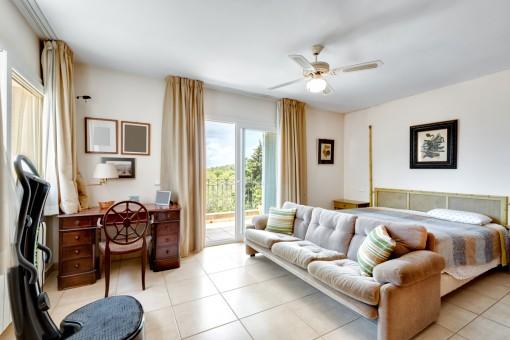 Eines von 4 Schlafzimmern auf dem Obergeschoss