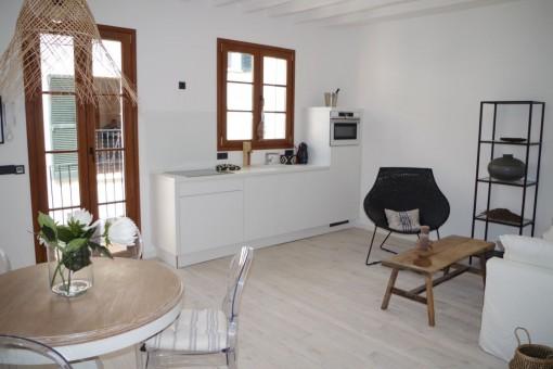 Perfekt sanierte Penthaus-Maisonette-Wohnung mit Meerblickdachterrasse in Calatrava