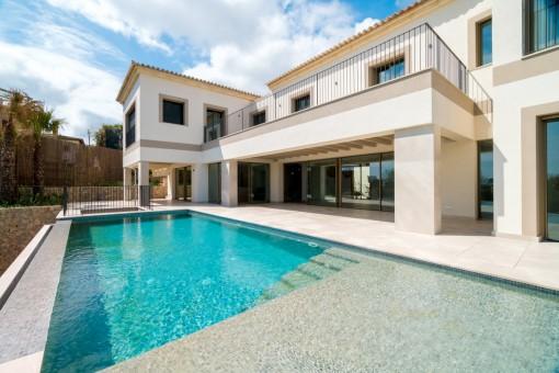 Neubau-Villa mit herrlicher Aussicht in Bonanova