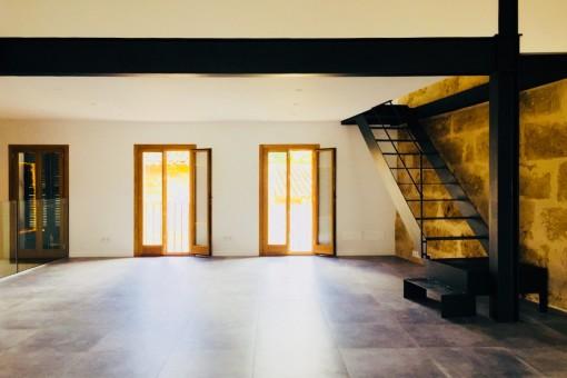Sala de estar con espacio abierto