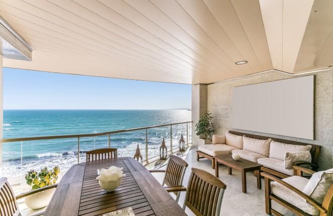 Vier-Schlafzimmer-Luxuswohnung in erster Meereslinie am Strand von Portixol