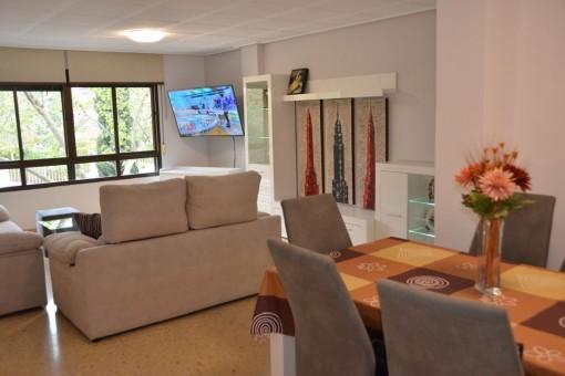 ideale zentral gelegene wohnung neben einem park in palma mieten. Black Bedroom Furniture Sets. Home Design Ideas