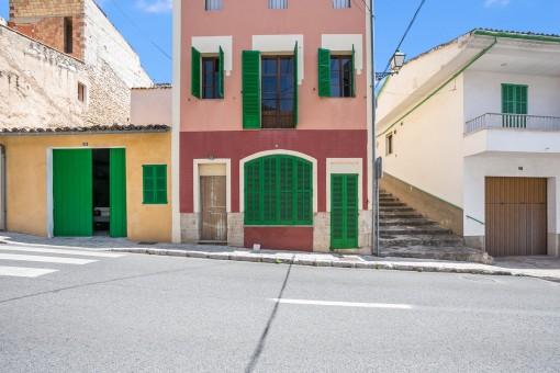 Authentisches Dorfhaus in Selva mit Dachterrasse, Autostellplatz und Möglichkeit ein zweites Haus zu bauen