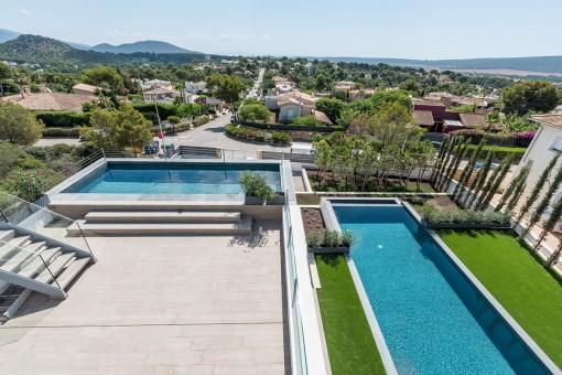 Die Villa bietet 2 Poolbereiche