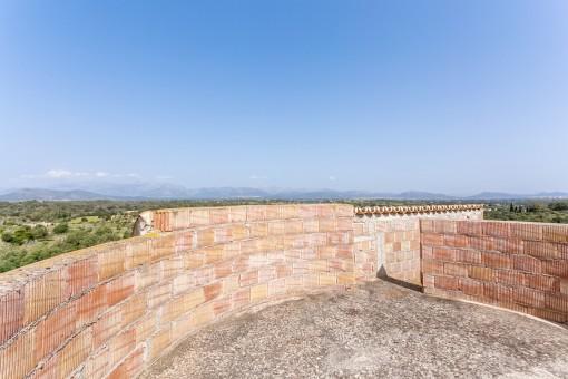 Aussichtsplattform mit spektakulären Ausblick
