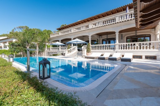 Außergewöhnliche Villa im exklusivsten Teil von Alt Bendinat