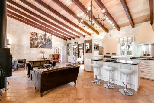 Voll ausgestattete Küche