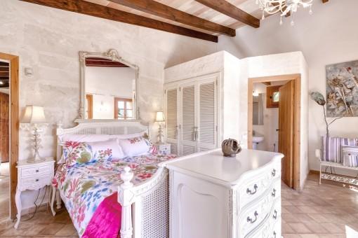 Zweites Hauptschlafzimmer mit Badezimmer en Suite