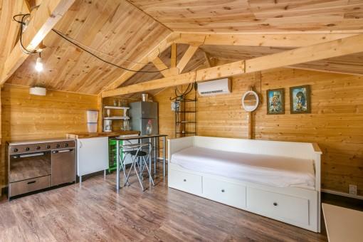 Sommerhaus mit Küche und Schlafzimmer