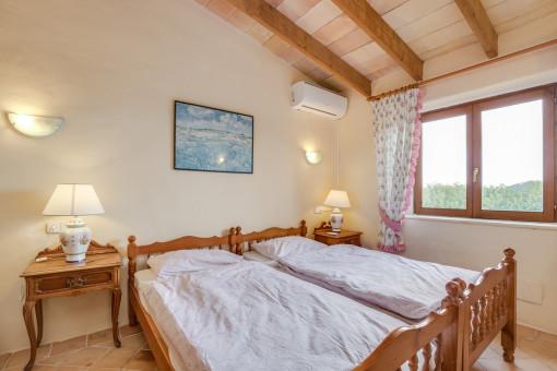 Weiteres Schlafzimmer mit Dachschräge