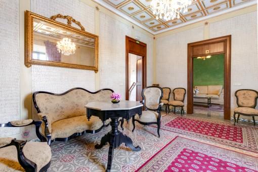 Loungebereich im traditionellen Stil