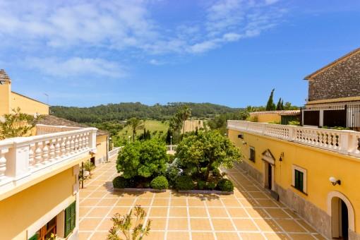 Stilvolles Dorfhotel in Costitx mit tollem Weitblick, zentraler Lage, kleiner Kapelle und Lizenzen