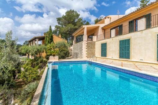 Herrliches Anwesen mit Gästehaus und spektakulärem Panoramablick auf das Meer in Galilea