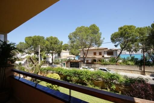 Elegantes komplett renoviertes Garten-Apartment, fussläufig zum Hafen, Strand und Geschäfte von Santa Ponsa