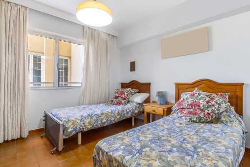 Gästeschlafzimmer mit 2 Einzelbetten