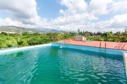 Charmante Finca mit grossem Pool und Orangenplantage in Lloseta