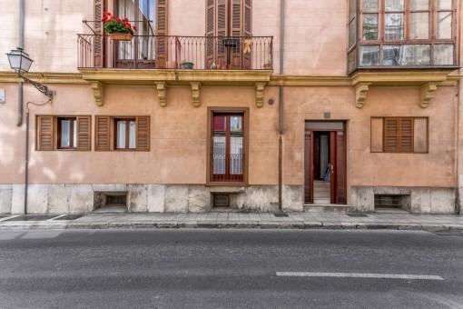 Die Wohnung befindet sich in bester Altstadtlage