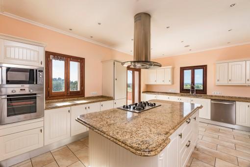 Kochinsel der Küche