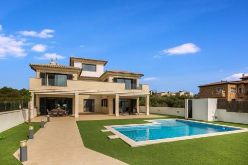 Luxuriöse Villa in 2. Meereslinie an der Bucht von Palma in Sa Torre