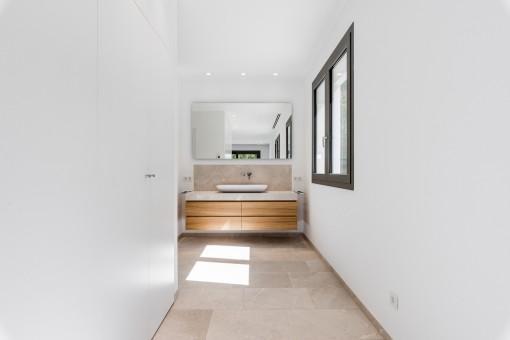 Die Villa verfügt über 4 moderne Badezimmer