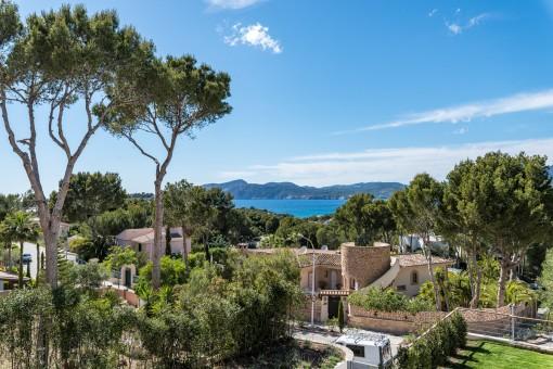 Die Villa verfügt über einen schönen Panorama-Meerblick