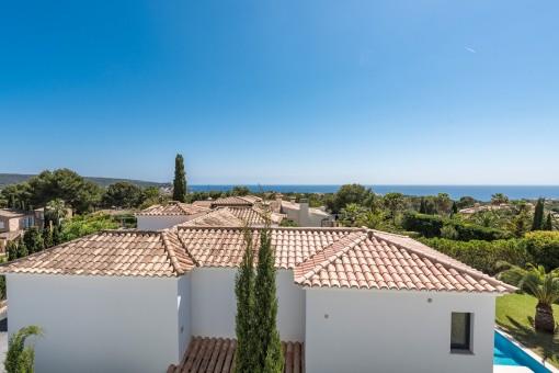 Die Villa bietet einen traumhaften Panorama-Meerblick