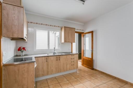 Moderne Küche im ersten Stockwerk