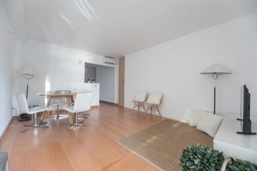 Die neu renovierte Wohnung hat eine Wohnfläche von 110 qm