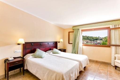 Doppelschlafzimmer mit wundervollen Blick über das Dorf