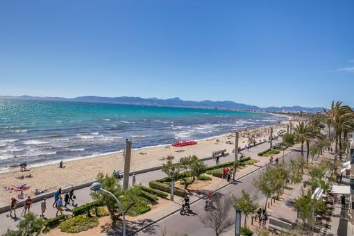 Fantastischer Blick über die Strandpromenade