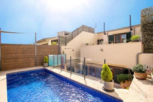 Großes, wunderschön renoviertes Stadthaus mit Pool in Son Servera
