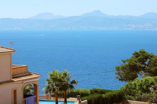Mallorquinische Villa mit fantastischem Meerblick in Badia Gran