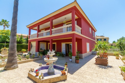 Großzügige Villa mit Pool in Badia Azul