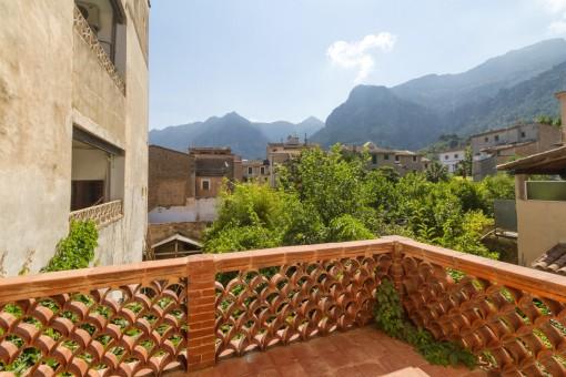 Terrasse mit wundervollen Blick auf den Garten