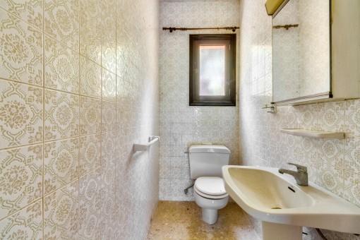 Gästebadezimmer geflutet mit Tageslicht