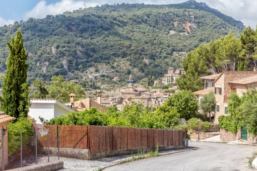 Baugrundstück mit herrlicher Aussicht ins Grüne in Valldemossa