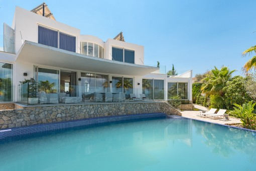 Attraktive Designer Villa mit Meerblick in sehr ruhiger Lage in Nova Santa Ponsa
