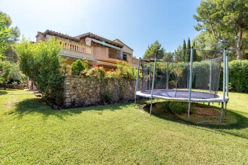 Schönes Einfamilienhaus mit 6 Schlafzimmern in toller Anlage nahe dem Santa Ponsa Golf Club