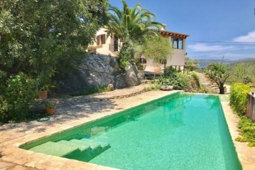 Wunderschöne Finca mit separatem Gästehaus, Salzwasser-Pool und Ölzentralheizung in Esporles