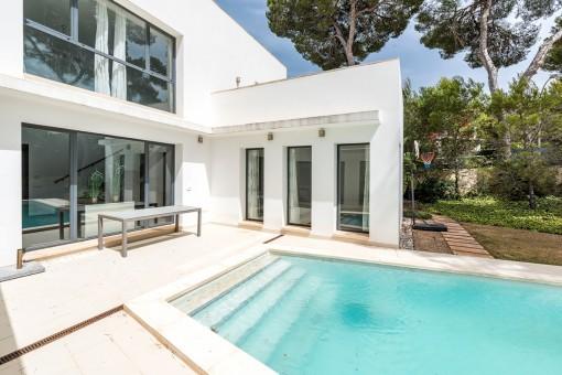 Moderne Villa mit 5 Schlafzimmern und Pool in der Nähe des Jachthafens von Santa Ponsa