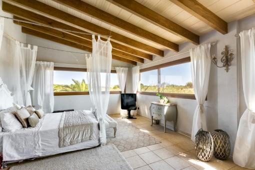 Doppelschlafzimmer mit Panoramafenster