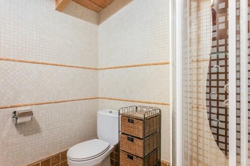 Eines von 10 Badezimmer