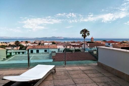 Geräumiges Einfamilienhaus mit Dachterrasse und Meerblick in Colonia Sant Pere