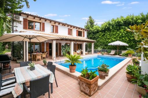 Schöne Villa mit Pool in Costa Canyamel nur 50 m vom Meer entfernt