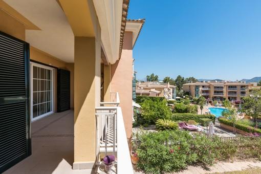 Schöne Duplexwohnung mit großem Garten in Santa Ponsa