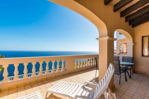 Traumhaftes Apartment in erster Meereslinie auf La Mola