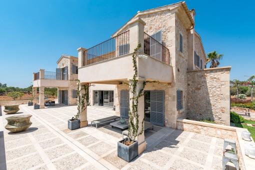 Die Finca bietet verschiedene Terrassen
