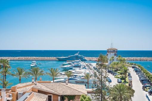 Traumhafter Blick auf den Yachthafen
