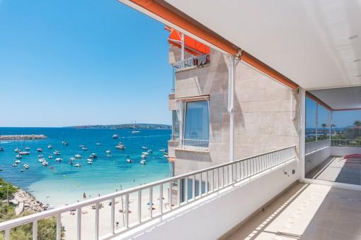 Alternative Ansicht der überdachten Terrasse